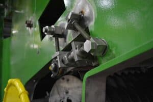 SNK RB-5M Bridge Mill Boosts Robinson Metal's Machining Efficiency