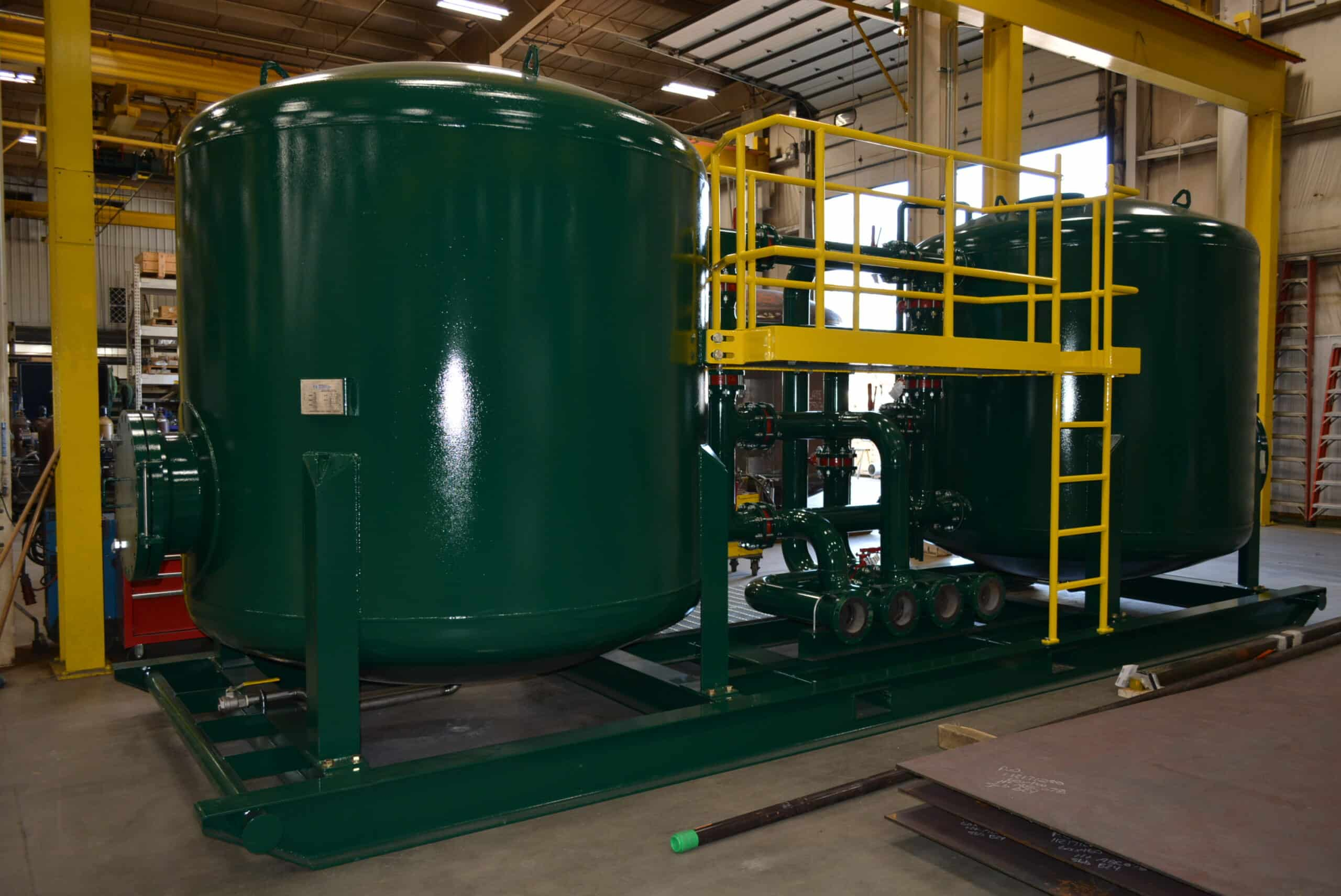 Filtration vessel fabrication includes mobile and permanent solutions